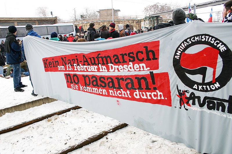 Автор: dielinke_sachsen - originally posted to Flickr as Dresden Nazifrei Blockade, CC BY 2.0,